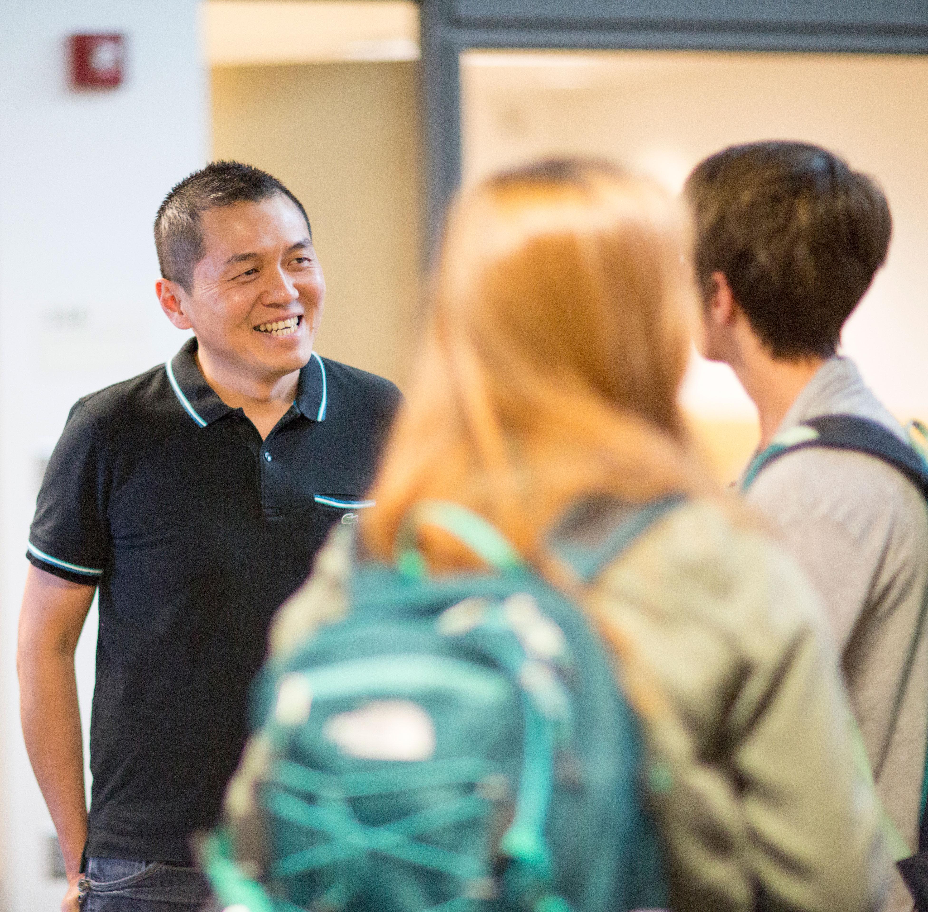 Ronald Ng gives advice to CoJMC students