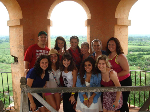 CoJMC students traveled to Havana Cuba for a three-week program exploring the country's media environment and culture.