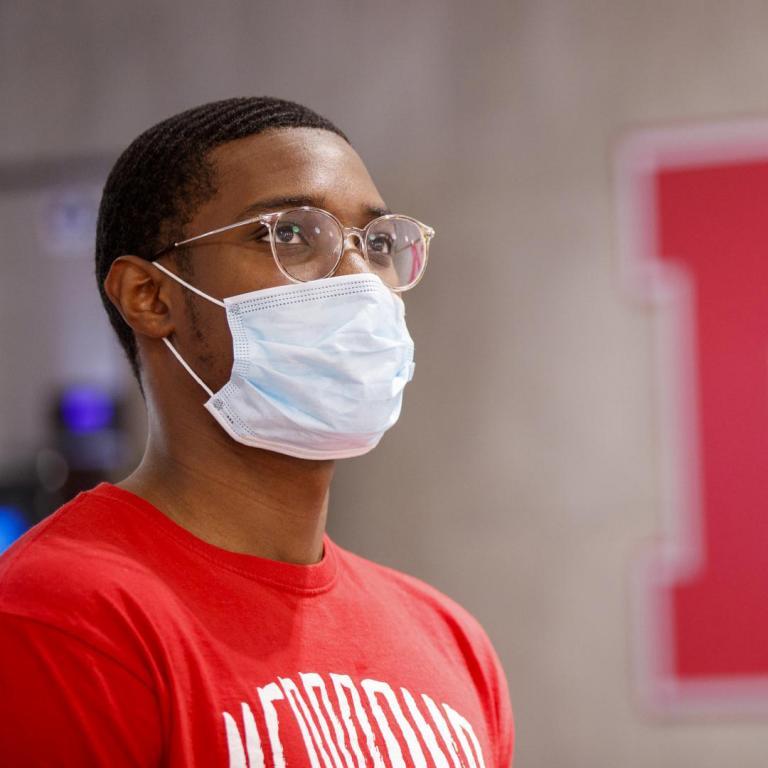 UNL student wearing face mask